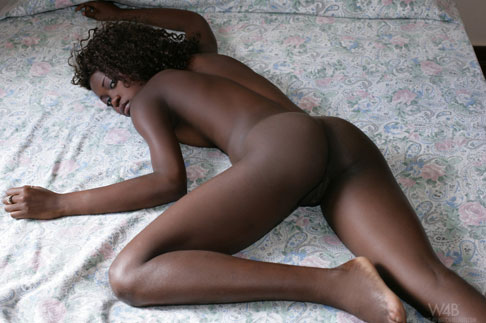 Puerto Plata escort Morenna poses nude for Watch4Beauty. She was 20 ...
